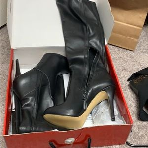Shoes - Guess knee high black boots never worn